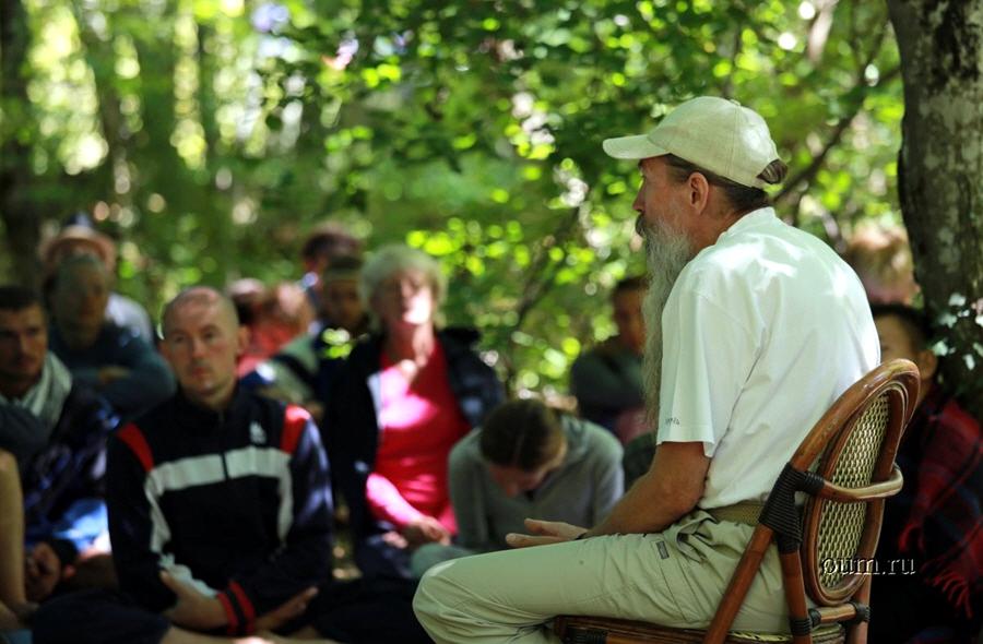 Алексей Трехлебов в йога-лагере Аура в 2012 году