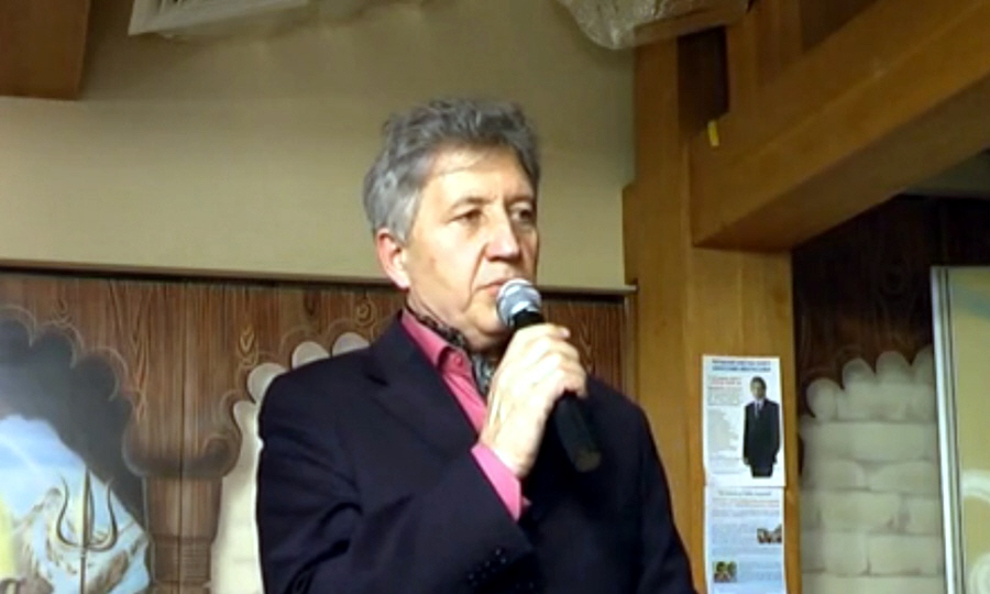 Анатолий Некрасов в культурном центре Белые облака в Москве 10 апреля 2010 года