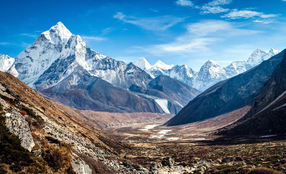 Почему так много людей стремятся в Гималаи