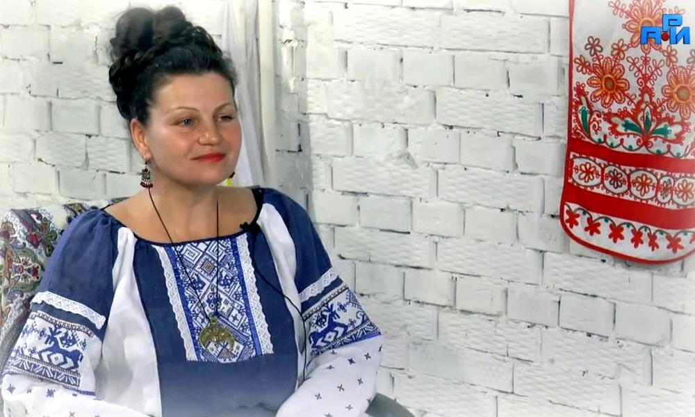 Галина Пономарёва - славянская писательница Арина Веста