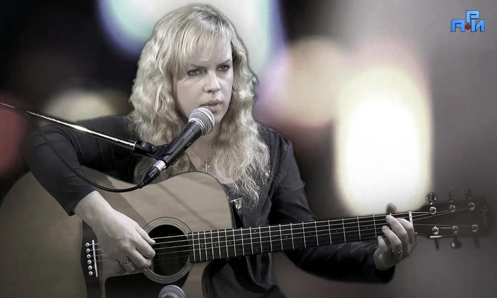 Дарья Колесникова - музыкант певица автор и исполнитель собственных песен