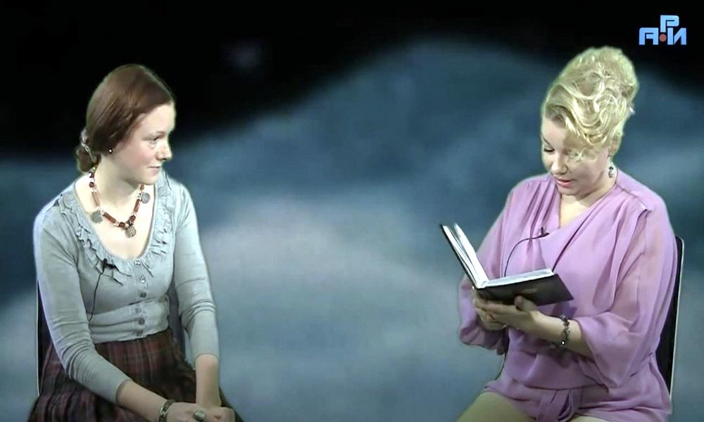 Писательница славянского и скандинавского фентези Елизавета Дворецкая