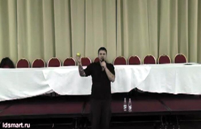 Илья Кнабенгоф в Санкт-Петербурге 28 ноября 2011 года