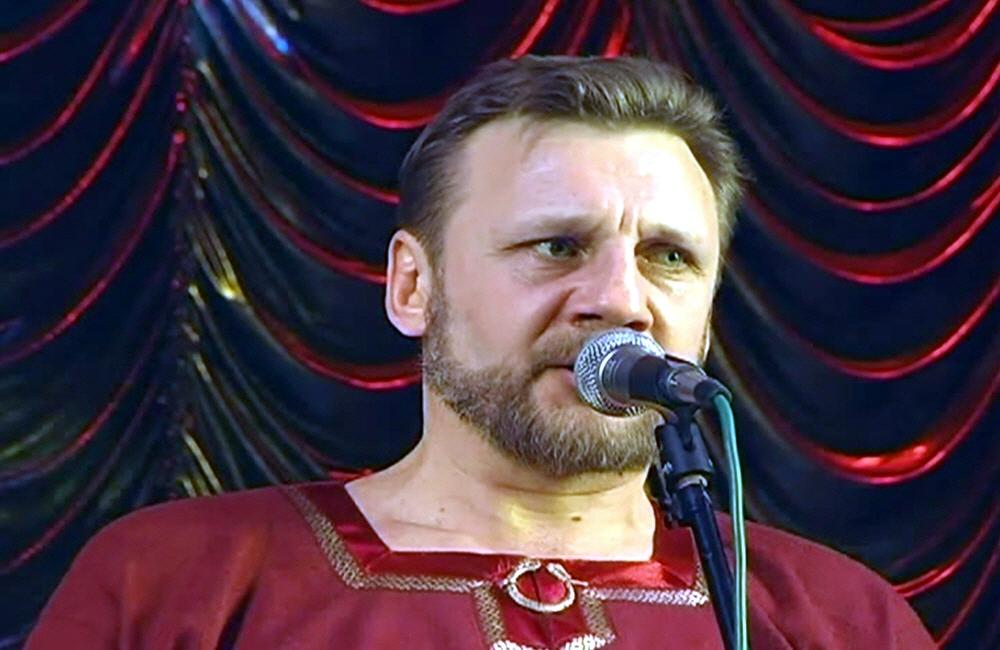Русский певец Николай Емелин
