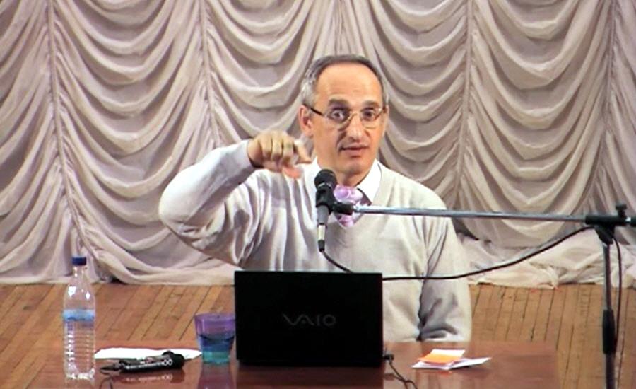 Олег Торсунов в Омске в апреле 2011 года