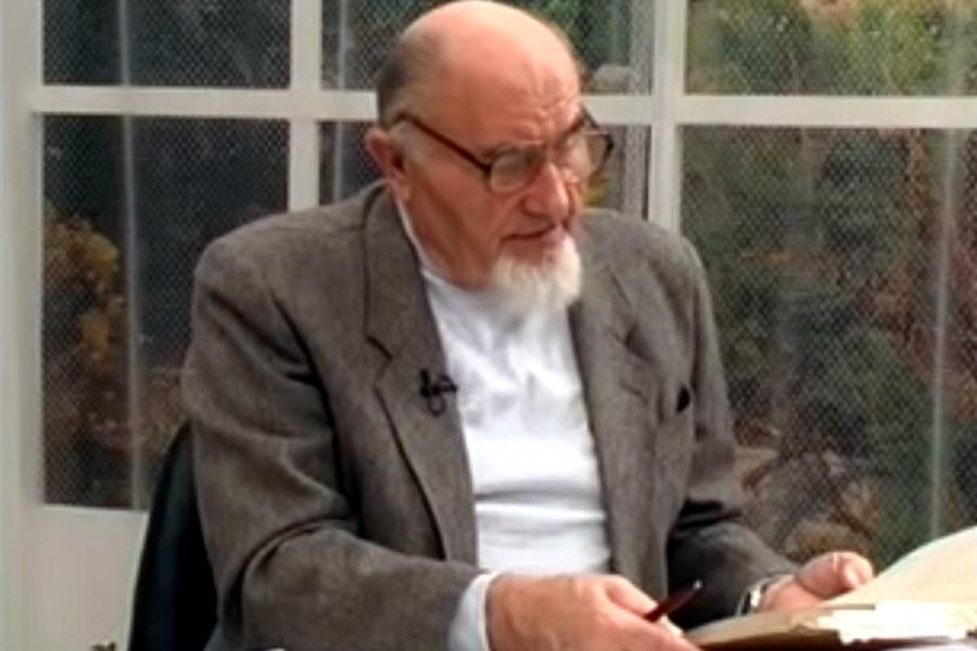 Анатолий Смирнов - специалист в области физики реальных процессов