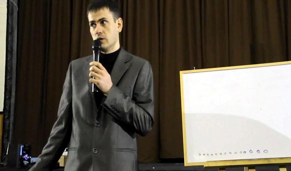 Андрей Дяченко - координатор и консультант по вопросам формирования территориальных общин и применения копного права в Донецкой области Украины
