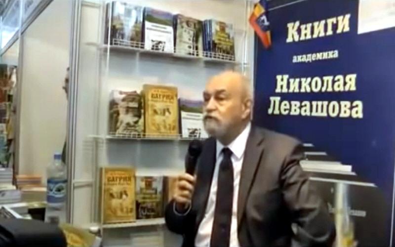 Валерий Чудинов на книжной выставке ВДНХ 6 сентября 2014 года