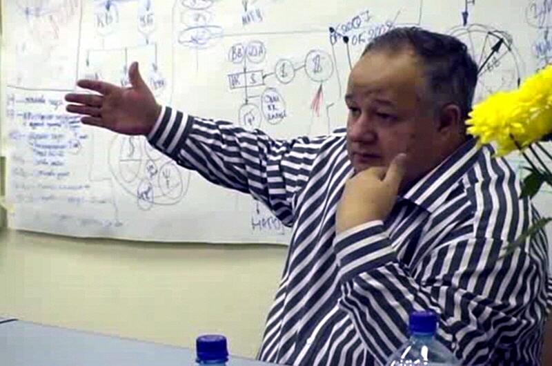 Виктор Минин в Московском клубе друзей доктора Синельникова в 2009 году